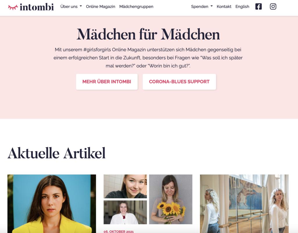 Screenshot einer Seite von intombi. Mädchen für Mädchen. Rosa Banner und Bilder verschiedener Artikel.